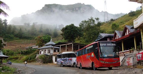 Bus to Tana Toraja
